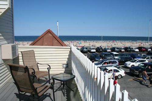 mcguirks-ocean-view-hotel-2